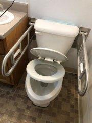 bathroom25.jpg